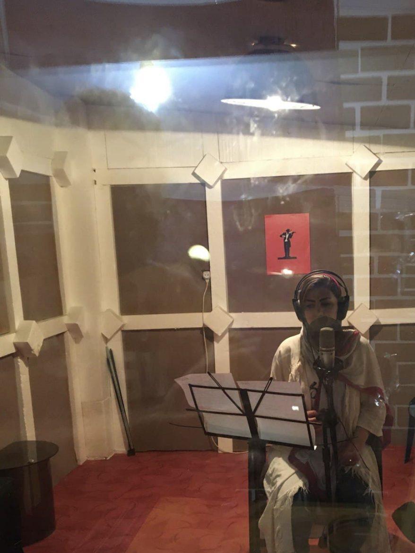 چکاوک، هنرجوی استودیو صداهای همراه